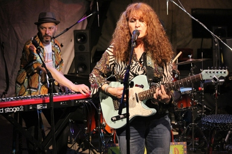 Debbie Bond at Mando Blues, photo - Brad Hardisty