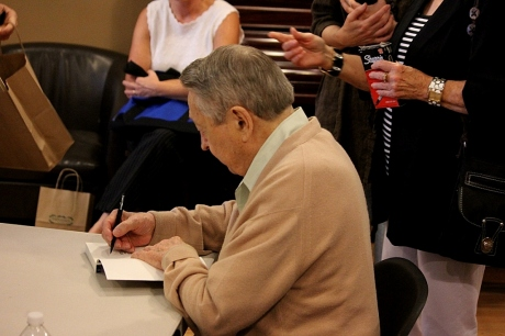 Scotty Moore at Parnassus Books, nashville, 8/11/2013, photo - Brad Hardisty