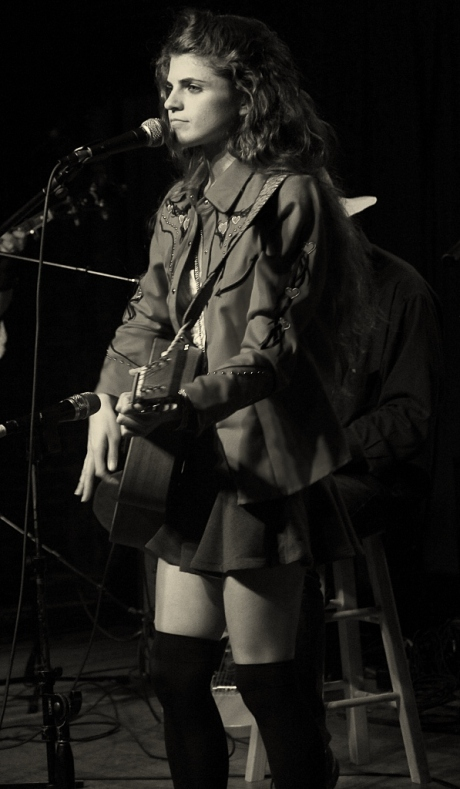Nettie Rose at Mercy Lounge, 10/22/2013, photo - Brad Hardisty