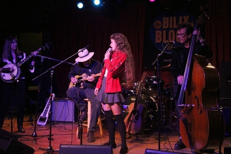 Nettie Rose preachin' the Cali Blues, Mercy Lounge, 10/22/2013, photo - Brad Hardisty