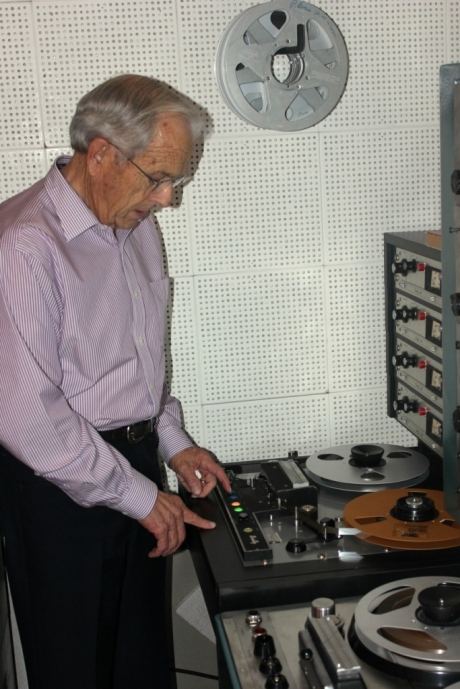 Ken Broad, Norman Petty curator, demonstrating Scully 4 track, nashville, TN, photo - Brad Hardisty
