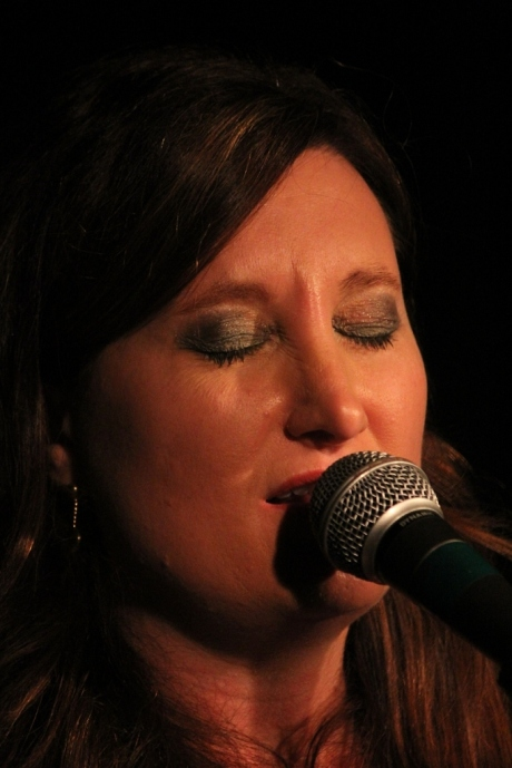 Shantell Ogden, Douglas Corner Cafe, 11/16/2013, photo - Brad Hardisty