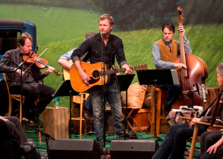 Dierks Bentley during Simply Bluegrass taping, photo courtesy Phil Johnson (c) 2013