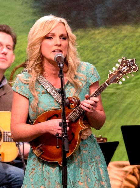 Rhonda Vincent, photo courtesy Phil Johnson (c) 2013
