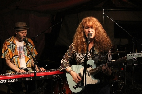 Debbie Bond at Mando Blues Live, Nashville, TN, photo - Brad Hardisty